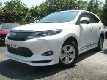 Toyota harrier year 2014 2000 cc petrol automatic transmission whitecolor fully loaded KDA ksh 3.25M
